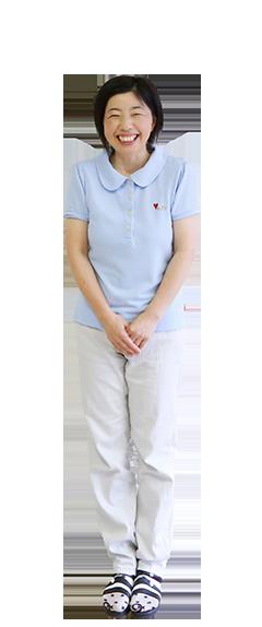 福田 由紀子の全身写真
